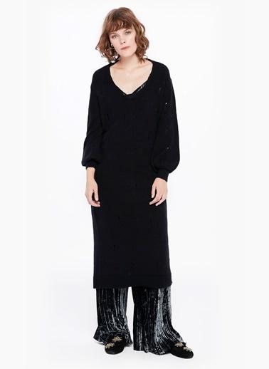 İlmek Kaçığı Efektli V Yaka Elbise-Twist